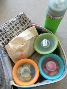 a great idea to label snack containers in the food bag